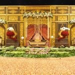 Merancang Pernikahan Adat Dengan Memilih Dekorasi Gebyok